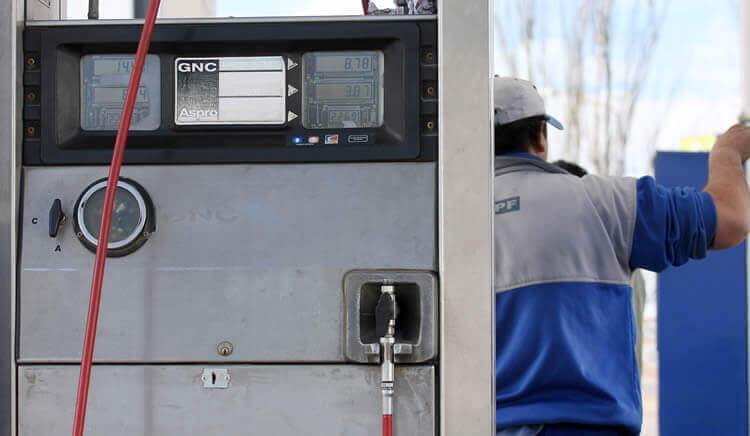 Estacioneros confían que en 2020 el costo del GNC será un 20 por ciento más barato